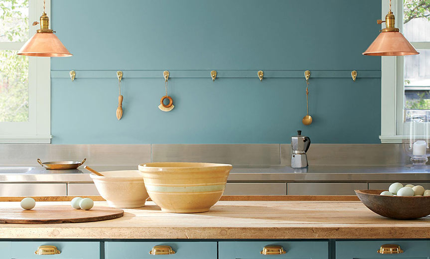 benjamin moore colour of the year Aegean Teal 2136-40 on wall of kitchen